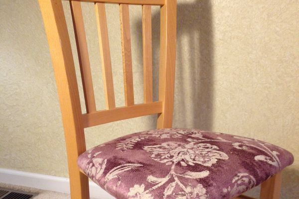dr-chair-after-2A5B825E7-8CEB-F18F-6D09-CCBBA677C529.jpg