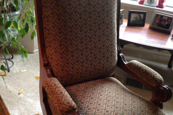 img-antique-rocking-chair-afterBB8EA833-6865-BF28-60A1-8FA7DB5F37E4.jpg