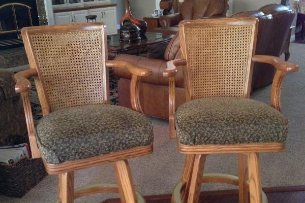 img-bar-stools-in-chenile-fabric-afterFCDB8CC6-4FB5-F38B-F925-20003B1F18FC.jpg