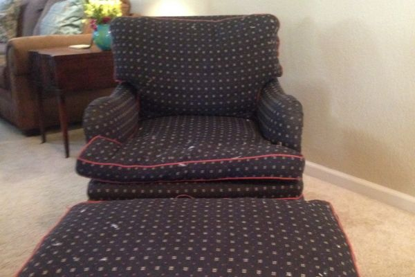 img-chair-ottoman-beforeF17D36D2-FD3B-B2FF-0752-39C40A5C2BFB.jpg