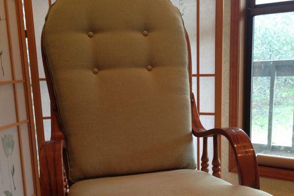 img-cushions-for-rocker-1E87532CC-B04E-AB13-D07F-604015774F24.jpg