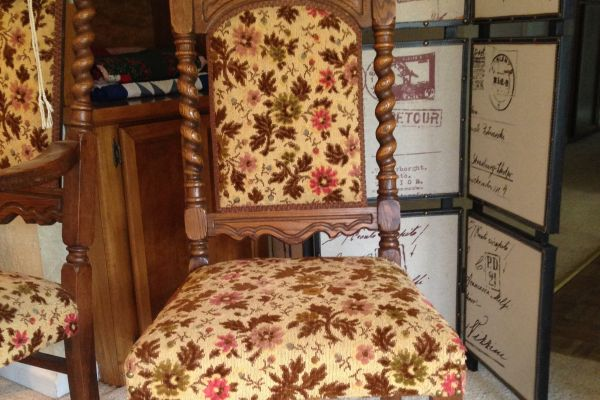 img-dining-room-chair-before1C110DBF-FE86-150B-BD37-335363C3C2DE.jpg