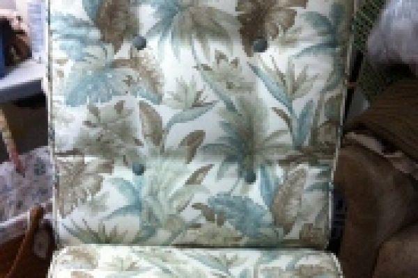 outdoor-cushion-close-up-after-125AC82EB-08DC-3AD0-0C08-4AC47FFBC764.jpg