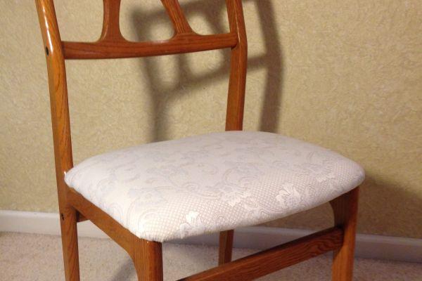 retro-dr-chair-after-2F5E1E8C5-7C10-19F1-2B6B-BC03DF19E75A.jpg