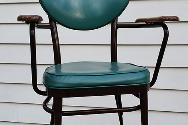 retro-dr-chair-before899674CA-20EE-CE90-57CD-A7BDD3CD4A40.jpg