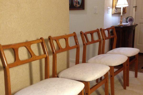 retro-dr-chairs-after-14BF96B0B-762A-C3A5-DFA9-A9C1BB2A2753.jpg