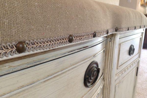 vintage-bench-super-close-up-afterB08DAA53-5C35-F201-EDBD-7C617147081A.jpg